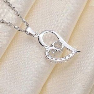 Jewelry - Sale New Silver Heart Shape Crystal Necklace